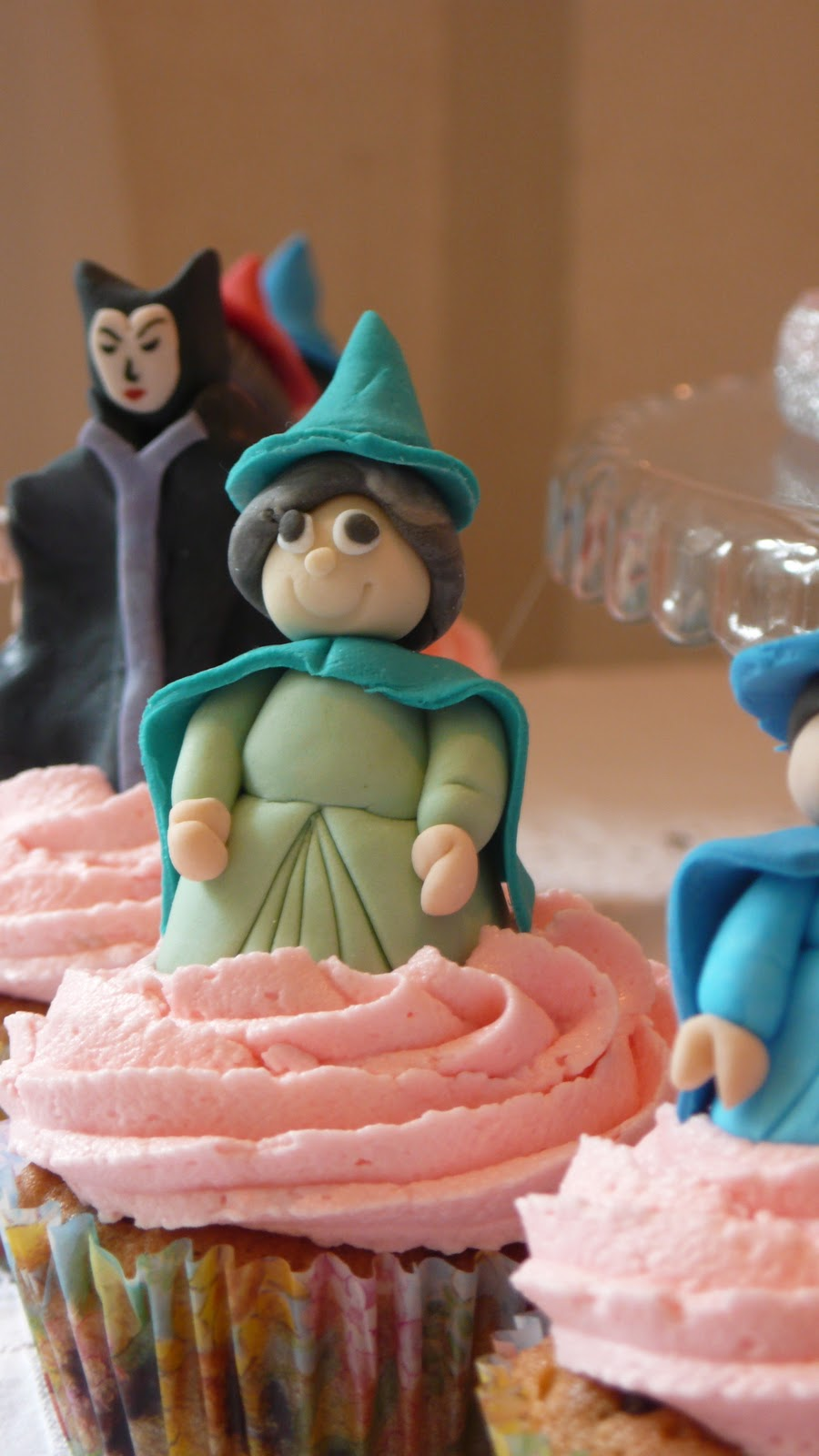 Fauna Sleeping Beauty Cake